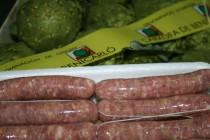 Una carnicería artesana elabora salchichas con Alcachofa de Benicarló DO
